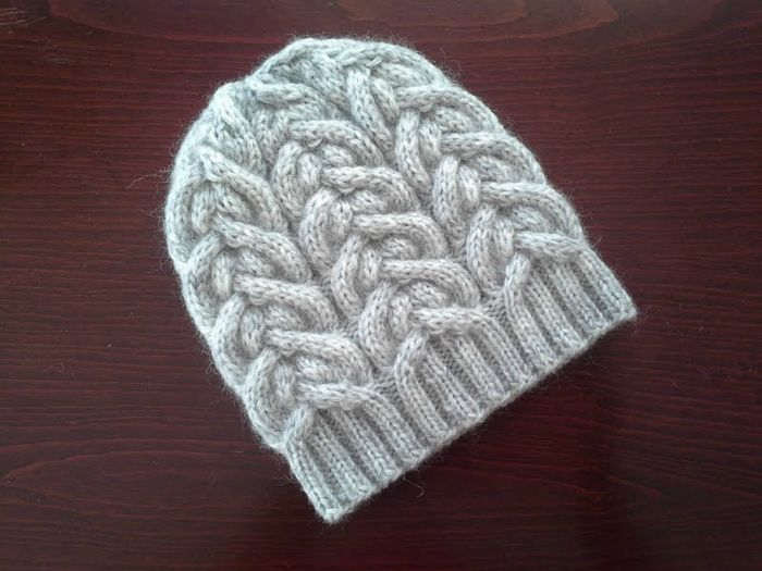 Beanie with double torsade